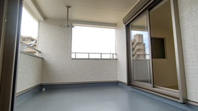 屋根ありワイドバルコニー♪ 新築戸建の事はマックバリュで住まい相談へお任せください。