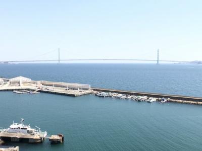 リビングから明石海峡大橋・瀬戸内海が一望できます♪