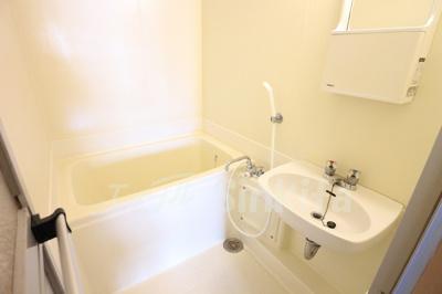 【浴室】キャメルコート東三国