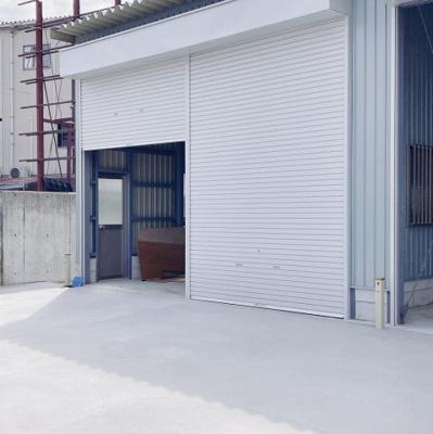 【外観】阪和自動車「堺」インター前 倉庫 約18.5坪 駐車スペースあり!