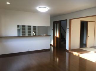 【居間・リビング】松山市 食場 中古住宅 61.70坪