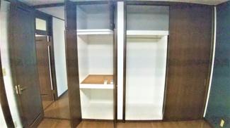 佐倉市城内町 中古戸建 佐倉駅 2階洋室は収納もたっぷりです。