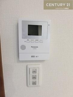 カラーモニター付インターフォンで 安心感も得られますね。