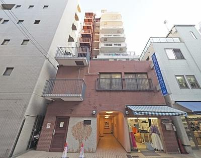 総戸数27戸、鉄骨鉄筋コンクリート造地下1階11階建です。