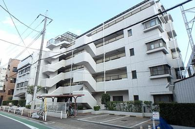 都営三田線「蓮根」駅徒歩約5分と通勤やお買い物に大変便利な立地です。