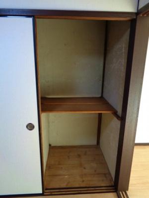 2階洋室 押入れ