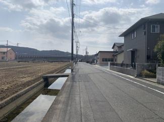 【前面道路含む現地写真】倉敷市片島町 中古住宅 2200万円