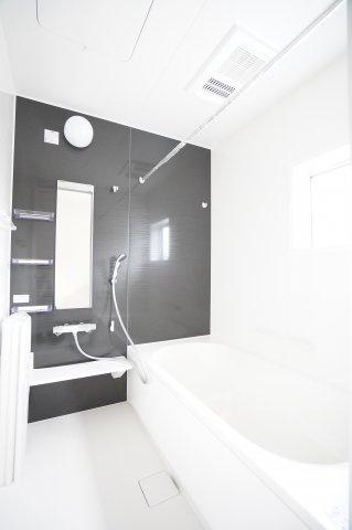 【同仕様施工例】浴室乾燥機付の一坪バスです。