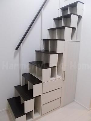 にじいろハーモニーの収納付き階段☆