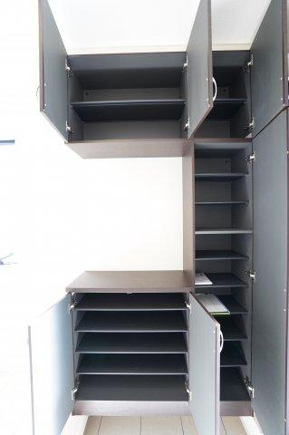 【同仕様施工例】シューズBOXです。たっぷり収納できます。