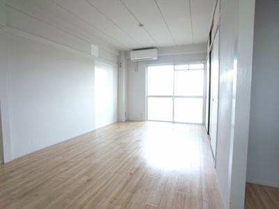 【居間・リビング】ビレッジハウス富木島4号棟
