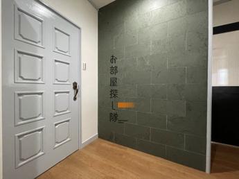 玄関はお洒落なタイル張り♪カッコイイ内装です♪