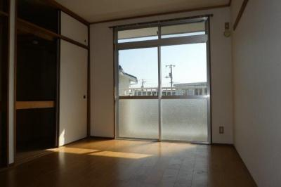 【洋室】ニューマリッチ884くらしき