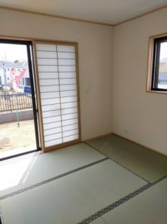 日当たりのよい角部屋和室