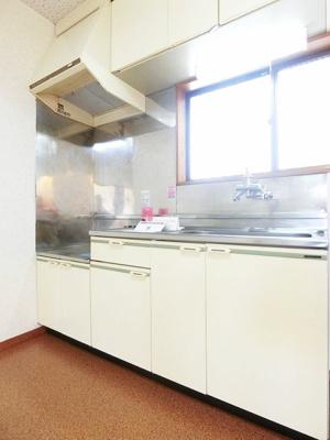 換気のできる窓のあるキッチンはガスコンロ設置可能☆ご自身でお好きなタイプのガスコンロをご用意いただけます!※参考写真※