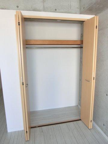 洋室内の収納スペース