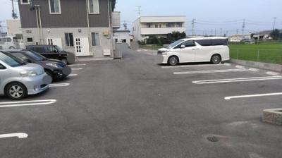 【駐車場】メゾンランディ神谷
