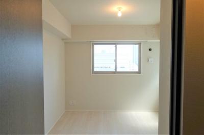 洋室 約6.0帖 2面開口で採光・通風良好なお部屋です♪