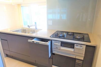 キッチンには食洗機&オーブンが付いています♪