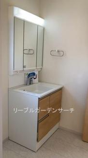 洗面化粧台 ※現地撮影写真