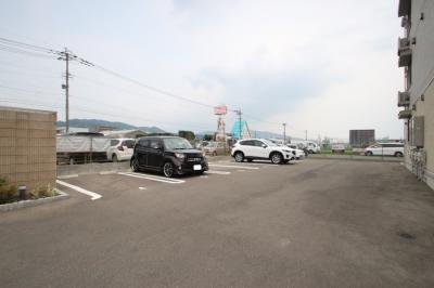 【駐車場】ロイヤルコート空港南(ロイヤルコートクウコウミナミ)