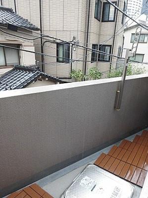 プライバシーも守られて程よい高さにある2階部分のお住まいです。