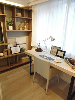 お仕事や趣味部屋に使いやすそうなタイプの洋室もあります。
