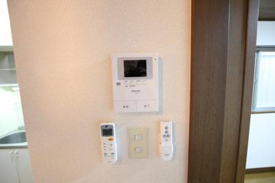 【玄関】サンパレス