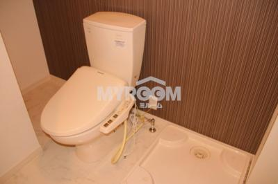 温水洗浄機能付トイレ、室内洗濯機置場、脱衣所有☆