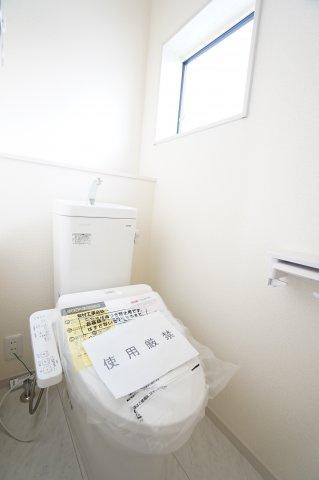 【同仕様施工例】気持ちのよい風が入ってきそうなお部屋です。換気も十分にできます。