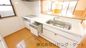 IHクッキングヒーター、食器洗浄乾燥機付きのため家事もラクラク