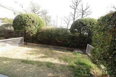 30m2超の戸建てライクな専用庭付き。