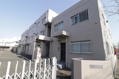 東急田園都市線「用賀」駅が徒歩約9分と便利な立地。