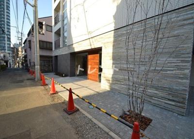 【エントランス】ガリシア新宿都庁前