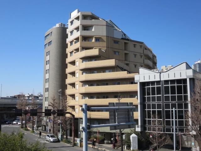 レジディア文京音羽は、有楽町線護国寺駅から徒歩2分です。