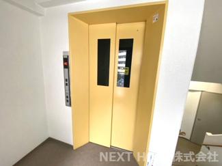 エレベーターがあるので重たい荷物も楽々移動できますね(^^)