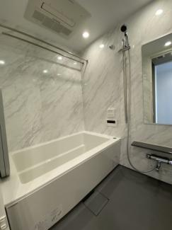 分譲らしいグレードの高い浴室です。