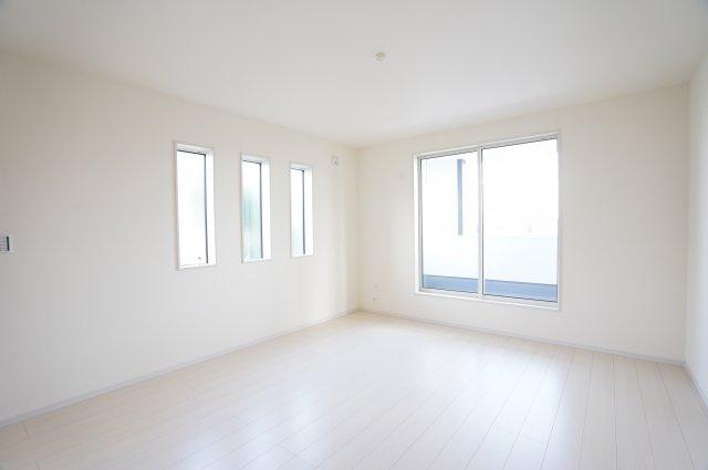 【同仕様施工例】2階:南向きで明るいお部屋です。