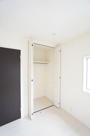 【同仕様施工例】2階:全室南向きのお部屋です。日中の陽の光を感じ暖かいお部屋です。