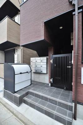 【エントランス】アークレス武蔵浦和(アークレスムサシウラワ)
