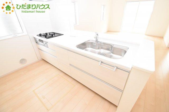 【キッチン】鴻巣市滝馬室 新築一戸建て リーブルガーデン 01