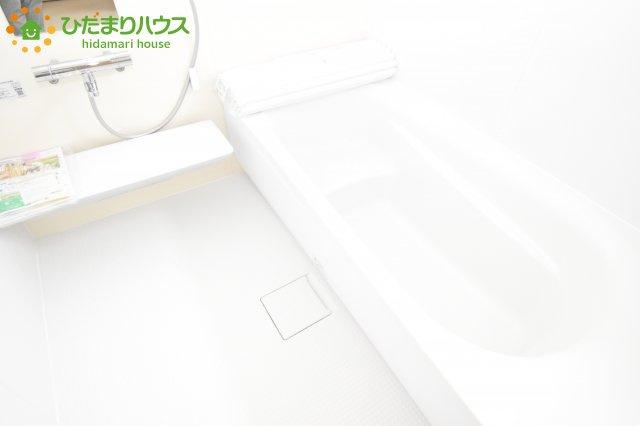 【浴室】鴻巣市滝馬室 新築一戸建て リーブルガーデン 01