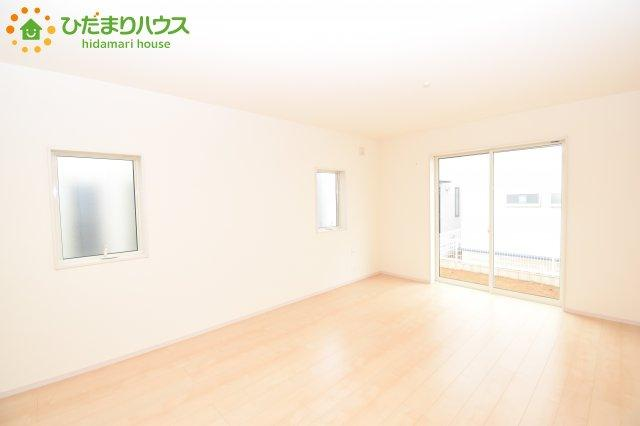 【居間・リビング】鴻巣市滝馬室 新築一戸建て リーブルガーデン 01