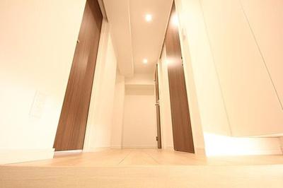 便利なシューズボックス付きで、スッキリとした玄関に。