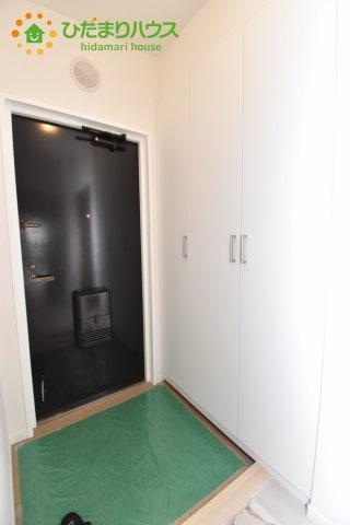 大きなシューズボックスのある玄関!!
