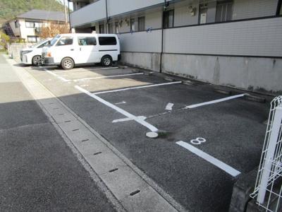 【駐車場】レオパレス北六甲