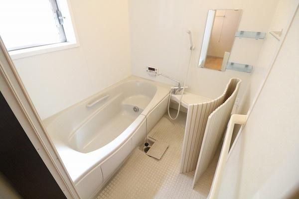 浴室大変綺麗に使われております♪