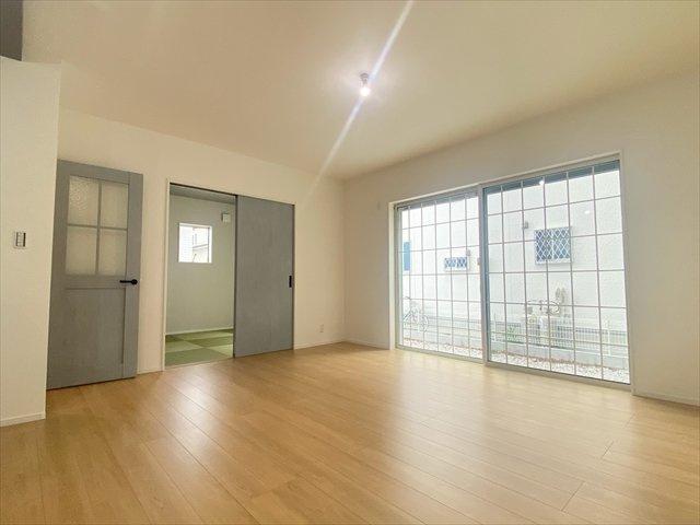 【居間・リビング】新築一戸建て「南足柄市駒形新宿」全6棟/残3棟