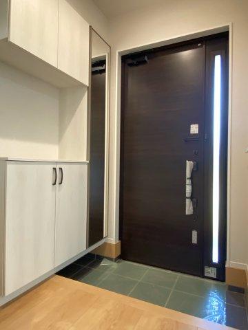【玄関】新築一戸建て「南足柄市駒形新宿」全6棟/残2棟