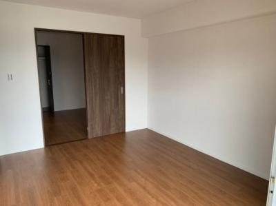 リビング横の洋室です。